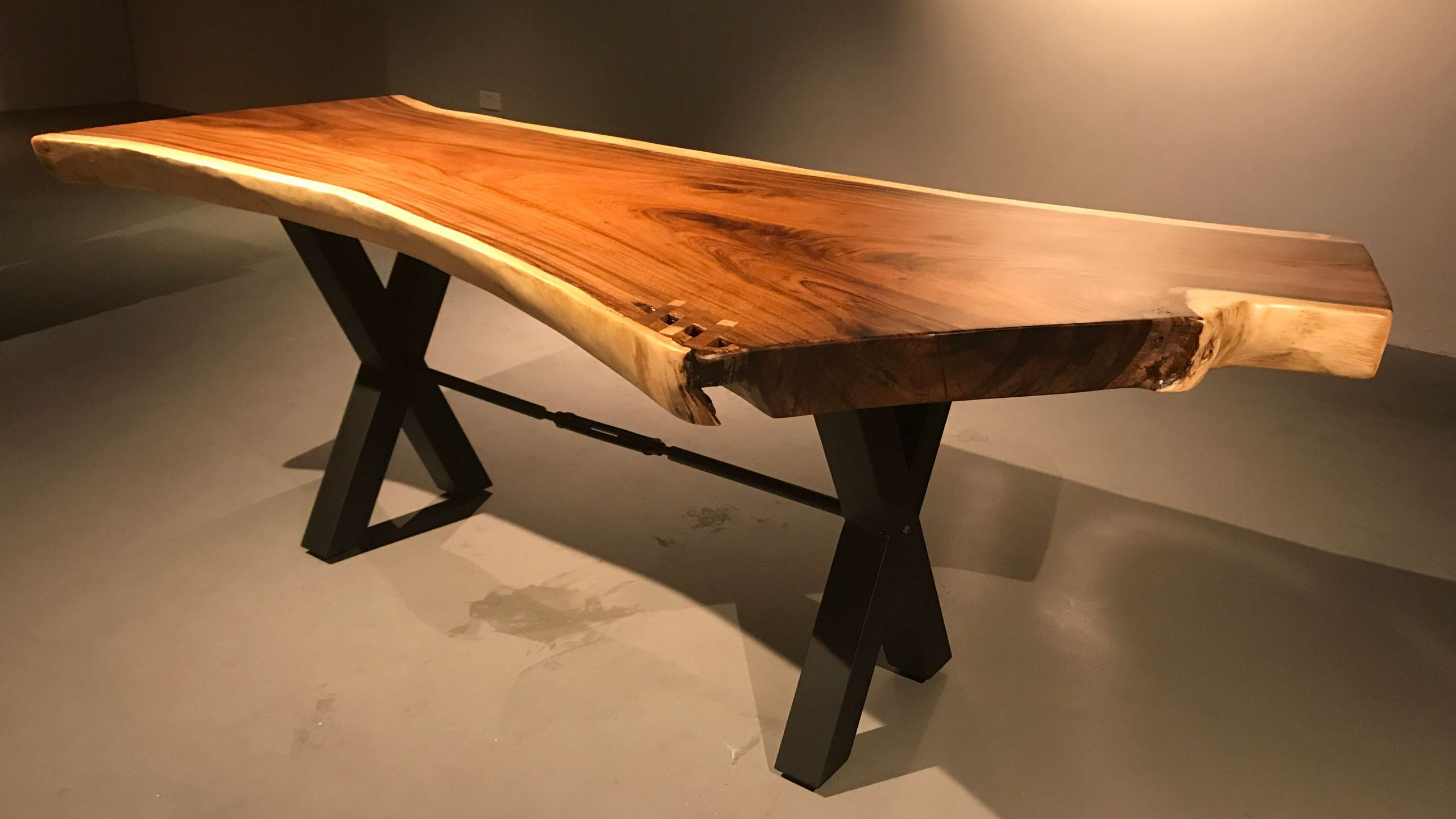 Dining table wood header